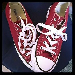 Maroon converse all star